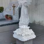 Statua di Angelo in Marmo Bianco